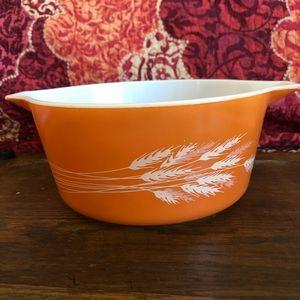 Vintage Pyrex bowl 475-B Autumn Harvest